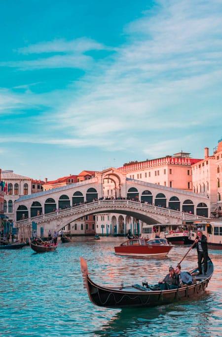 Apprendre l'italien pour les voyages